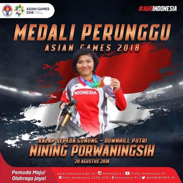Nining Porwaningsih yang meraih medali perunggu di cabang balap sepeda gunung