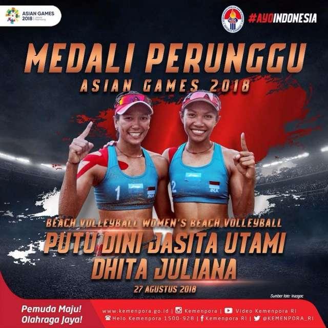 Putu Dina Jasita Utami dan Dhita Juliana berhasil memperoleh medali perunggu di voli pantai putri.